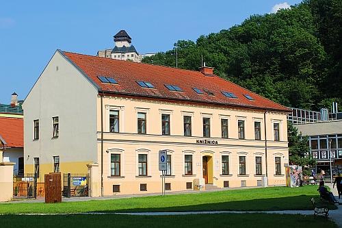 Verejná knižnica Michala Rešetku v Trenčíne (Jaselská ulica)